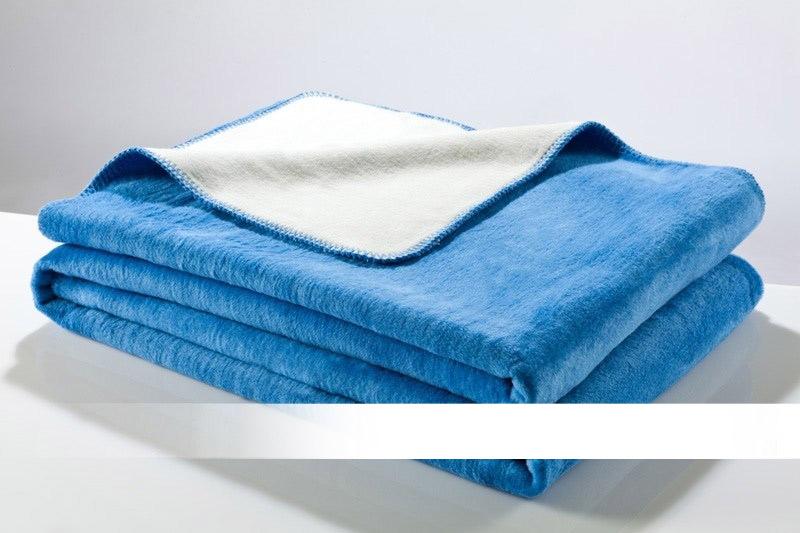 Nebeská modrá - bílá bavlněná deka