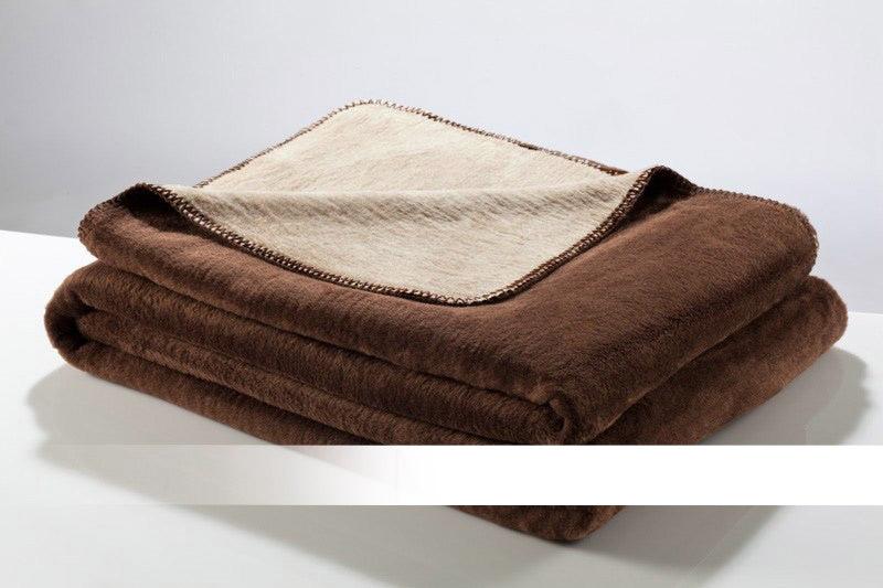 Hnědá a béžová bavlněná deka