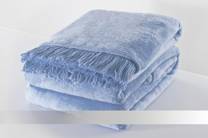 Blankytně modrá deka s třásněmi - bavlněná deka