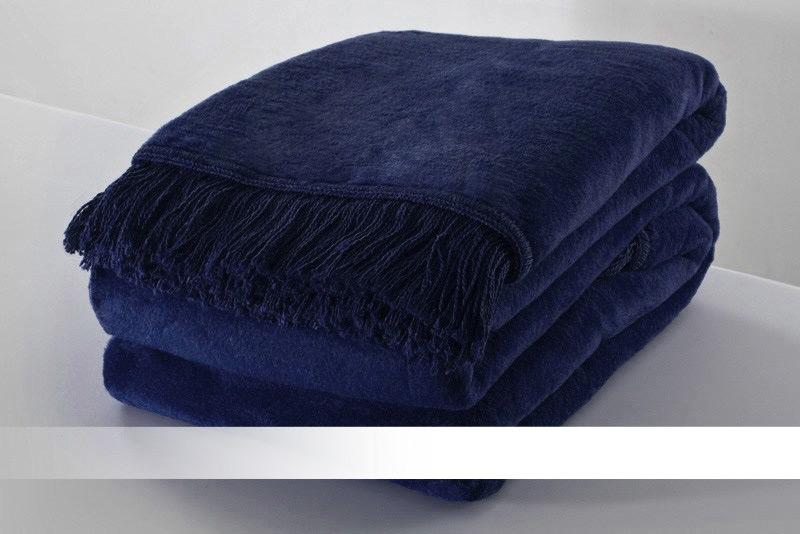Tmavě modrá deka s třásněmi - bavlněná deka